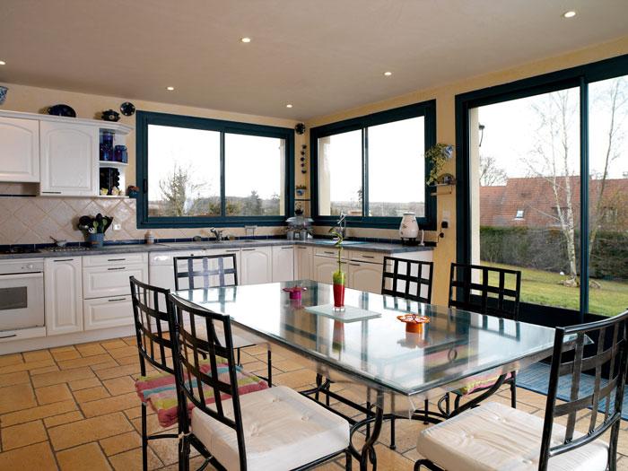 conseils pour entreprendre la d coration et l am nagement de votre cuisine 2014 strooblog. Black Bedroom Furniture Sets. Home Design Ideas