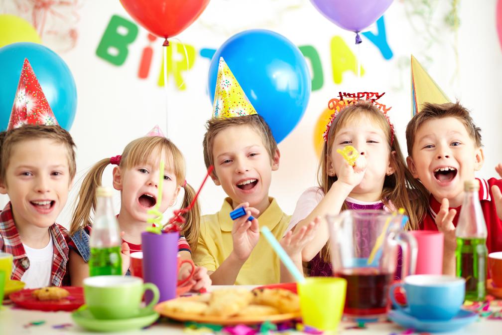 un petit cadeau souvenir de l anniversaire de votre enfant pour chaque petit invit strooblog. Black Bedroom Furniture Sets. Home Design Ideas